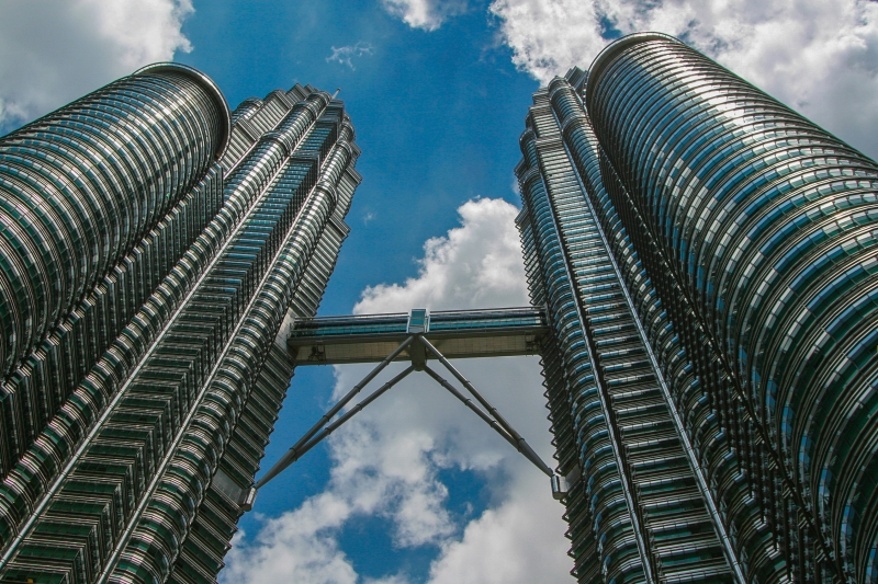 Day Dreams Of Petronas