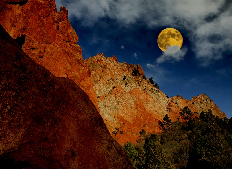 Double Take Moon And Garden Of The Gods