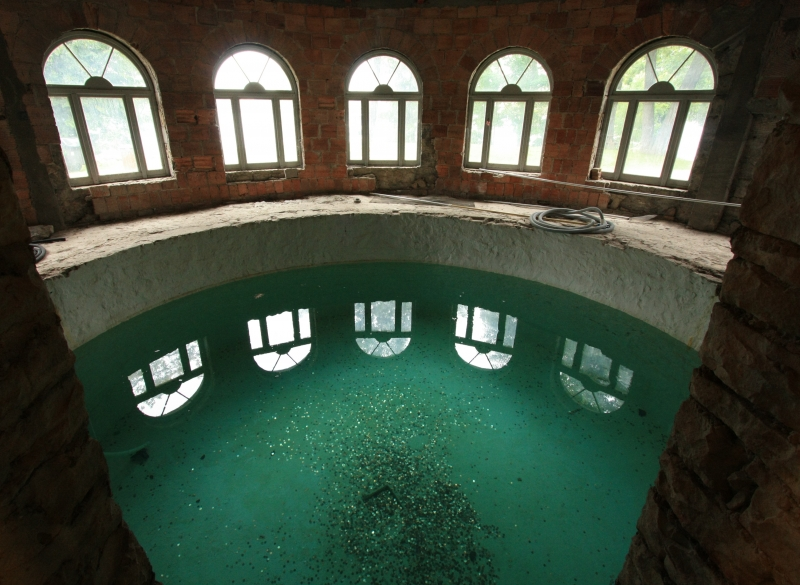 Pool At Boldt Castle