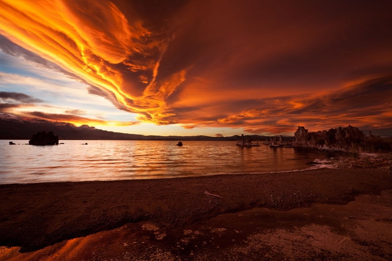 Mono Lake – Skies Ablaze