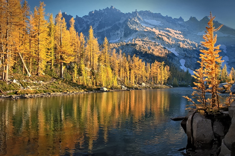 Fall In Ebchantment Lakes