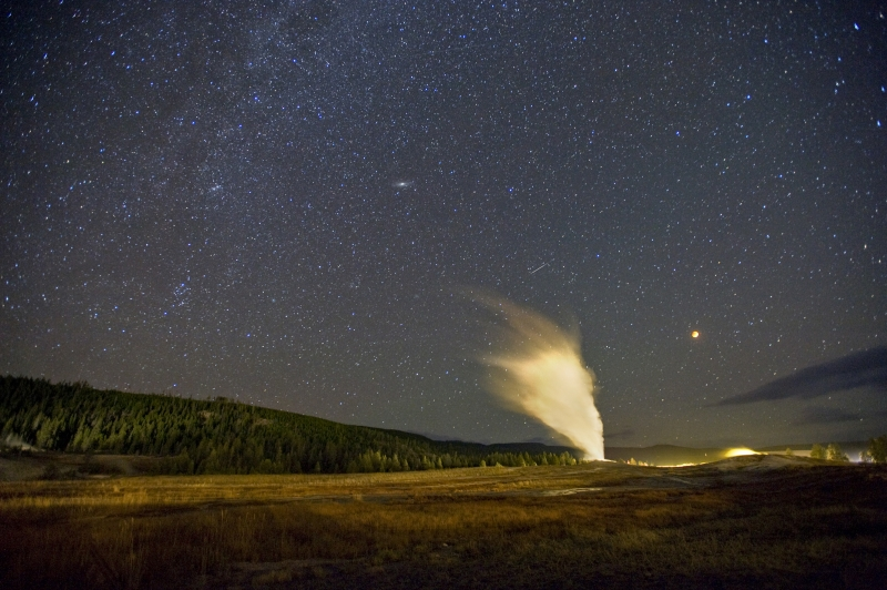 Super Blood Moon Eclipse And Old Faithful