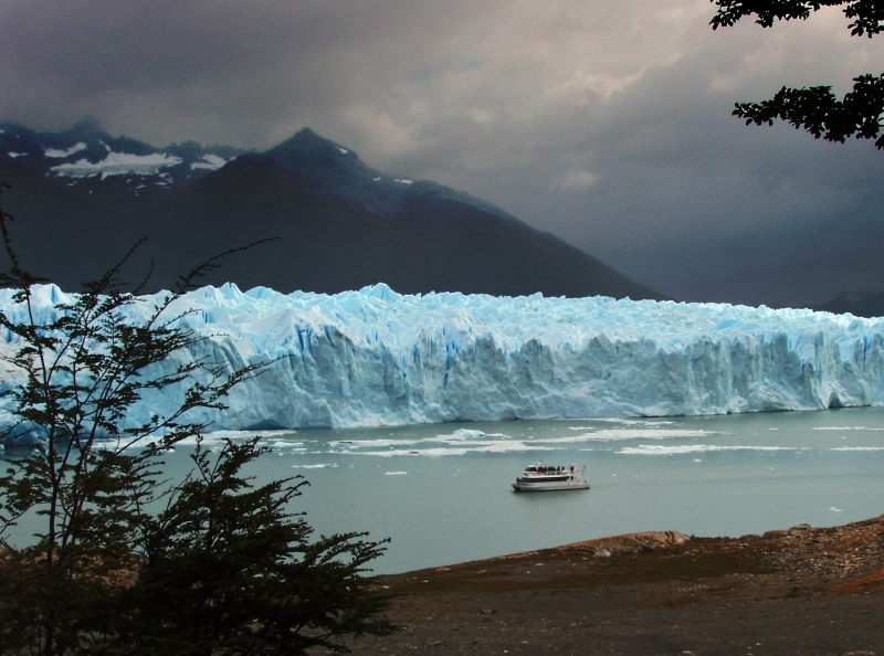 Perito Moreno Glacier And Tour Boat