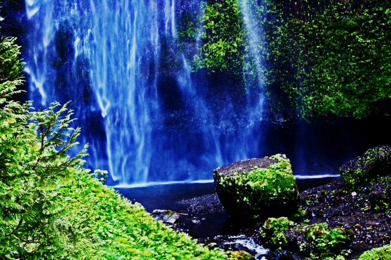 The Water Falls Blue.