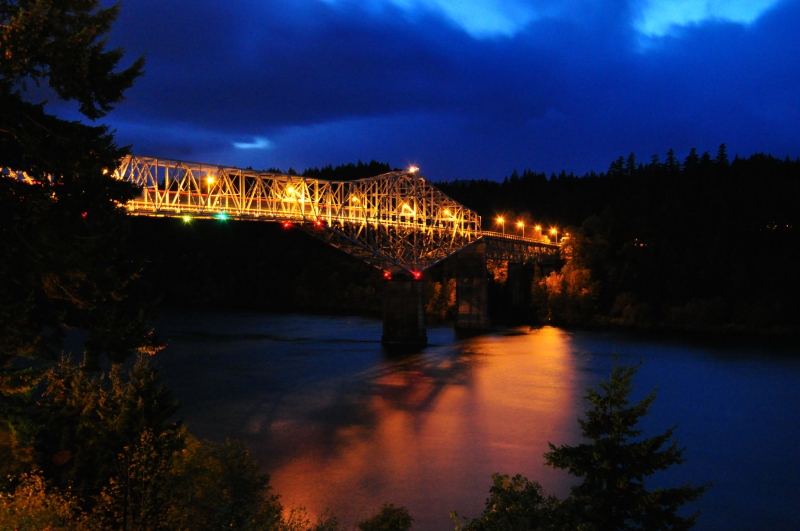 Bridge Of The Gods Over The Columbia River (gorge)