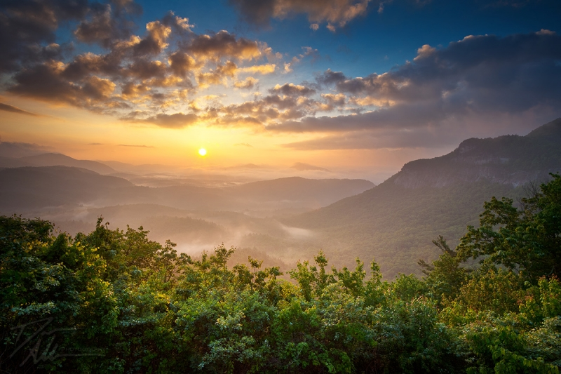 Highlands Sunrise – Whitesides Mountain Landscape