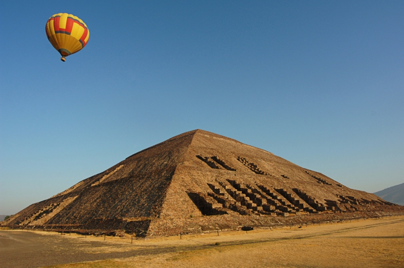 Sun Pyramid And Hot Air Balloon