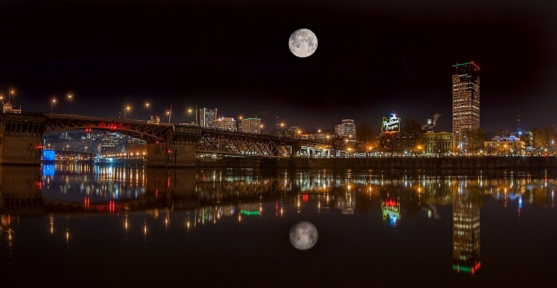 Super Moon Over Portland