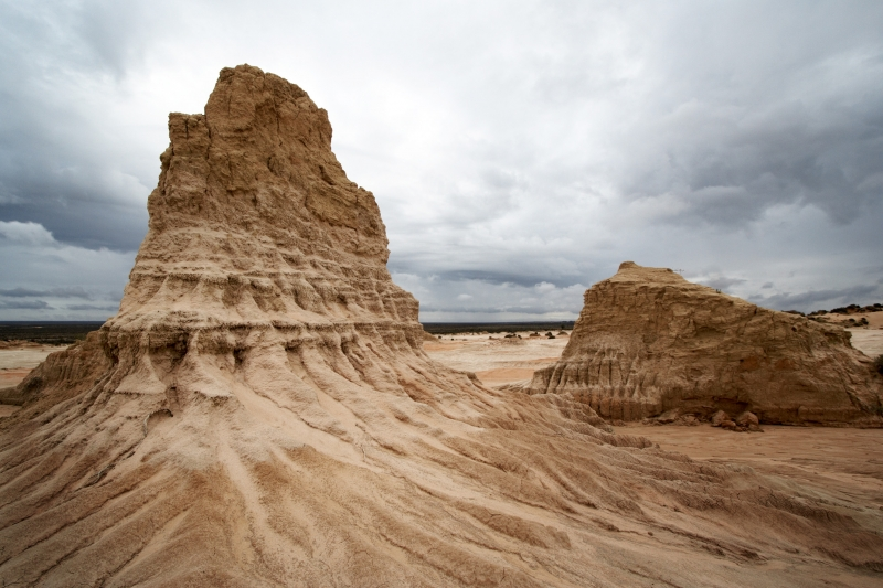 Mungo Np – The Wall Of China