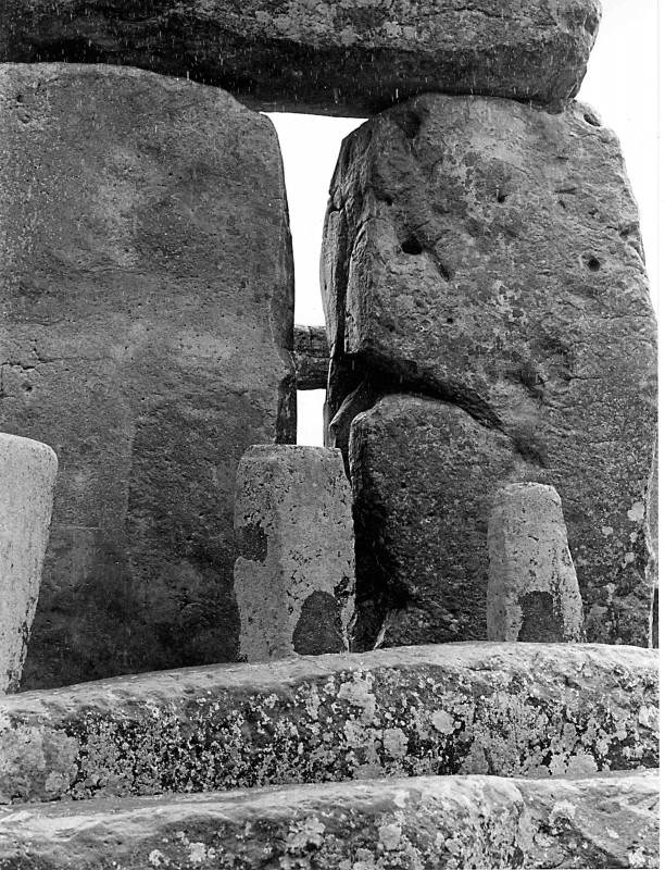 assignment on stonehenge How do you know how much the monoliths at stonehenge weigh it's one thing to drag a ten ton stone over three step middle planks was anyone making nice new planks 4,000 years ago.