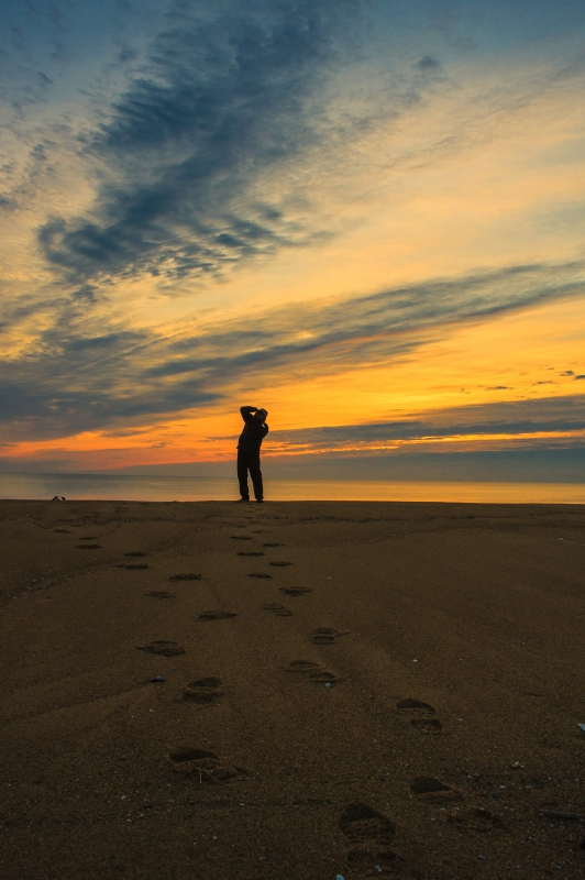 Clicking Away – Sunrise At Plum Island, Ma