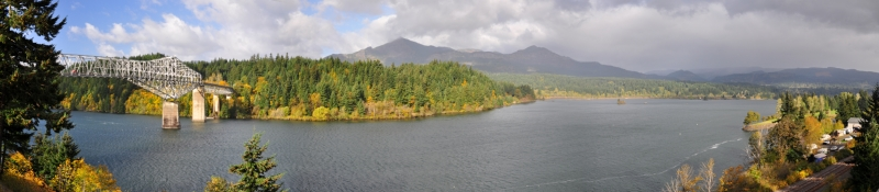 Cascade Locks/columbia River Gorge Panorama