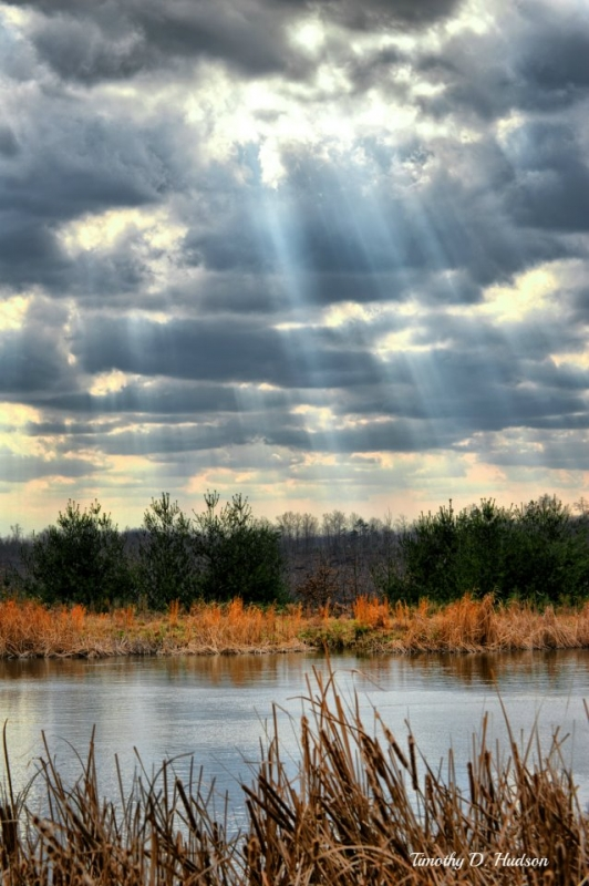 Light Beams Through Over The Pond
