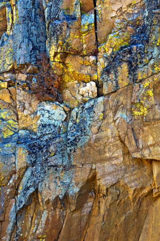 Rock Colors In The Gorge