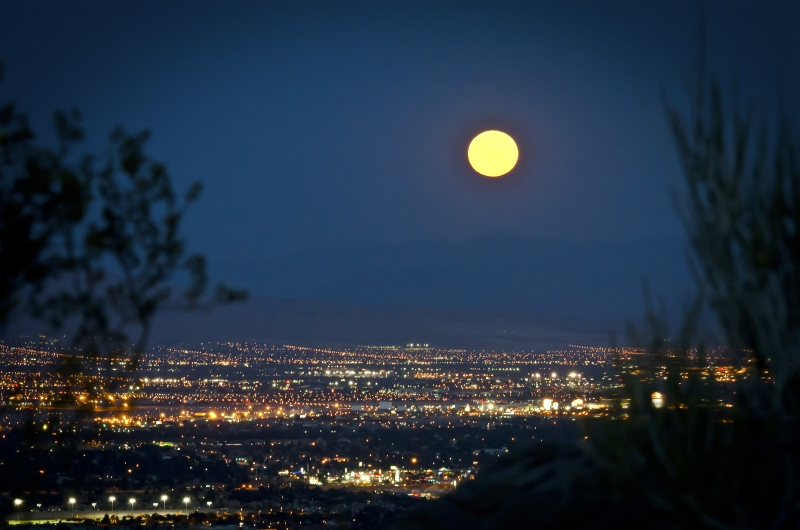 Moonrise Over Vegas