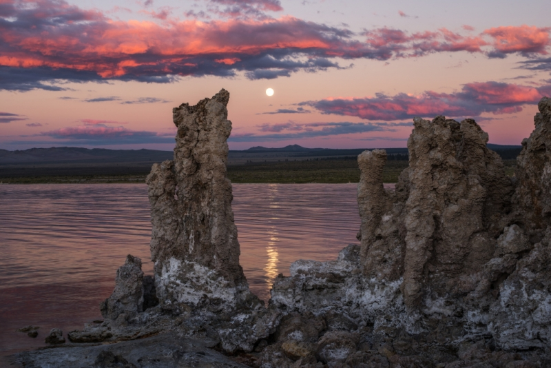 Mono Lake At Sunset And Moonrise