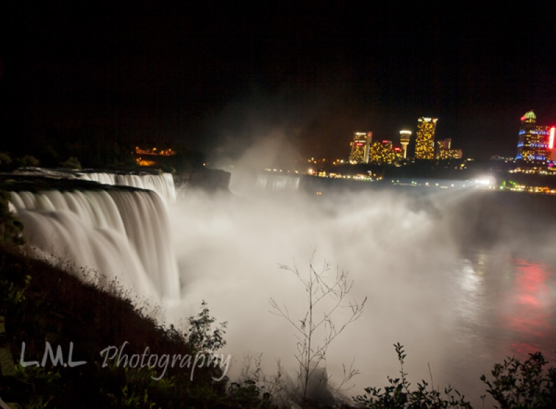 Night In Niagara Falls