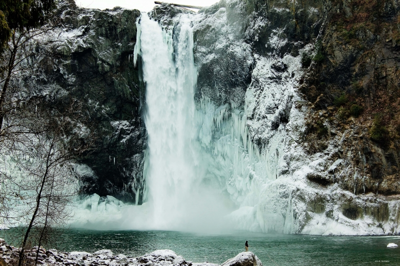 Snoqualmiefalls_ice