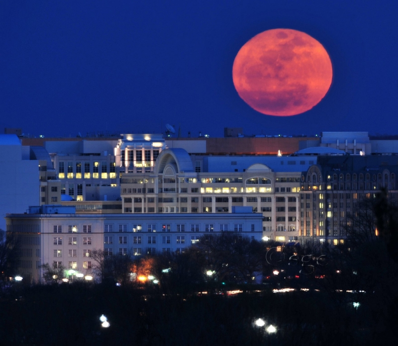 Super Moon Over Washington Dc