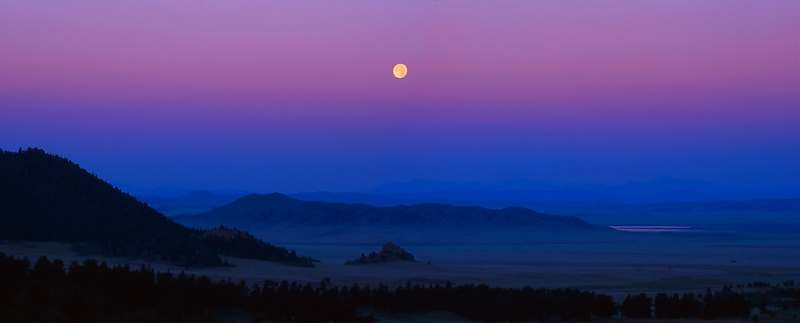 Wilkerson Pass Moonset