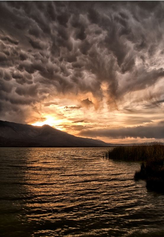 Mammatus Sunset At Klondike Lake