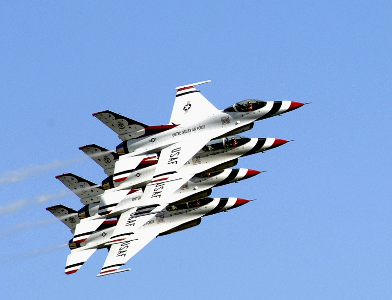U.s. Air Force Thunderbirds In Flight Formation