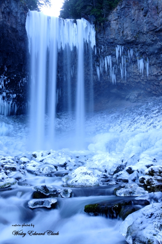Tomanawas Falls In Ice