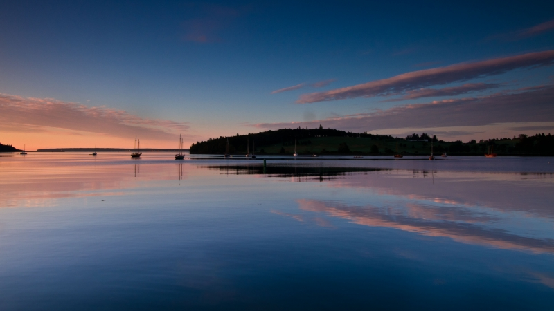 Quiet Dawn-lunenburg Harbor
