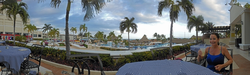 Happy Hour In Cancun