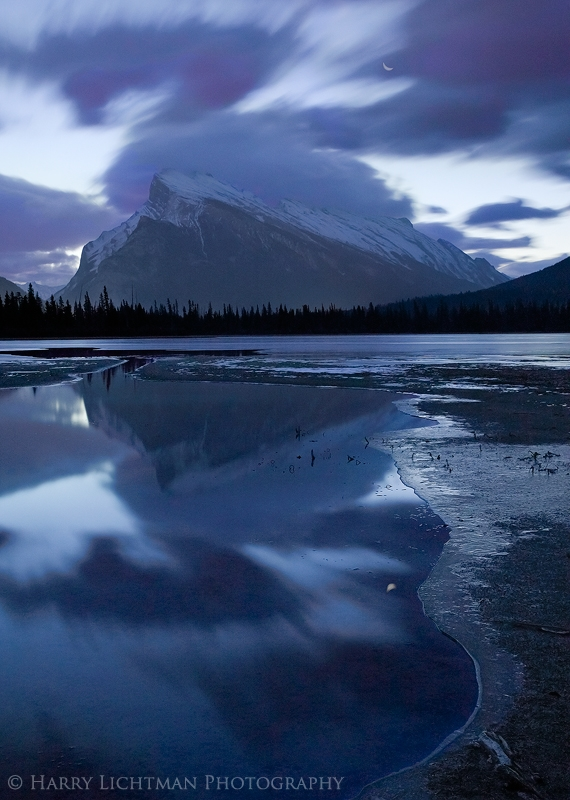 Rundle Moonrise