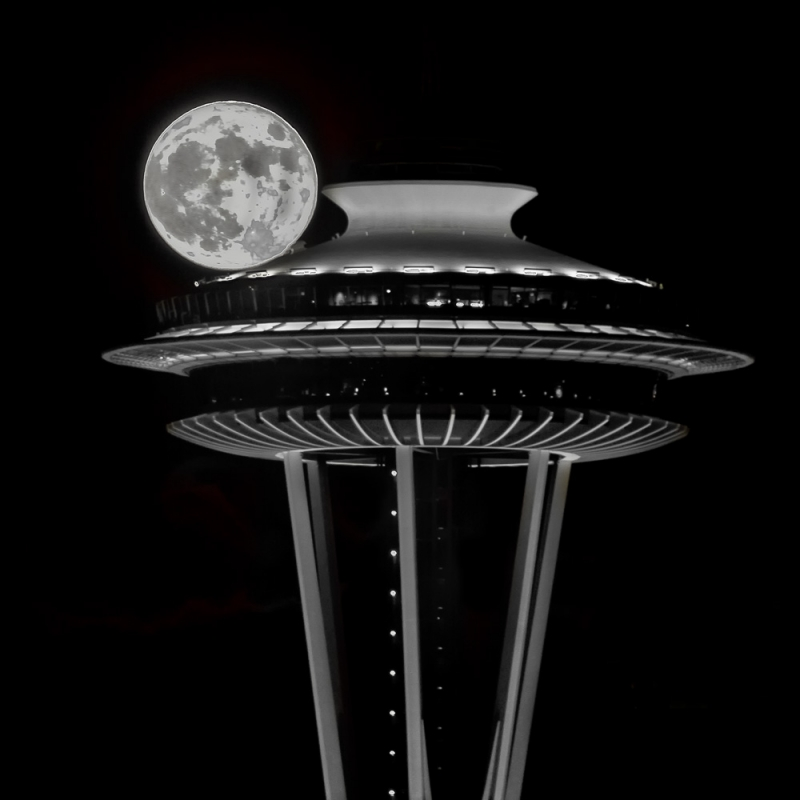 Full Moon On The Needle
