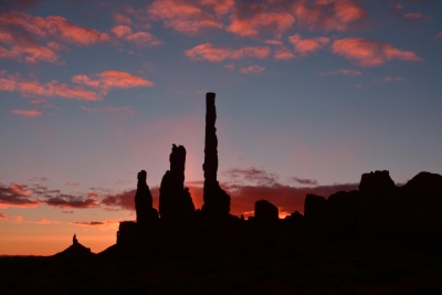 Sunrise:  Yei Bi Chei And The Totem Pole:  Monumnet Valley