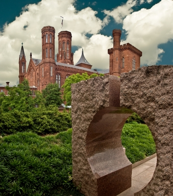 Smithsonian And Sculpture