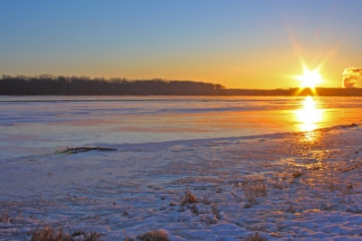 Ice Cold Morning On The Mississippi River