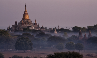 Dawn At The Ananda Pagoda