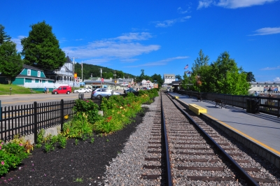The Tracks At Weirs Beach