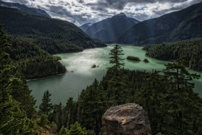 Green Day At Diablo Lake