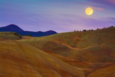 Moonrise Over Th Painted Hills