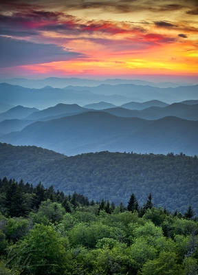Blue Ridge Parkway Sunset – The Great Blue Yonder