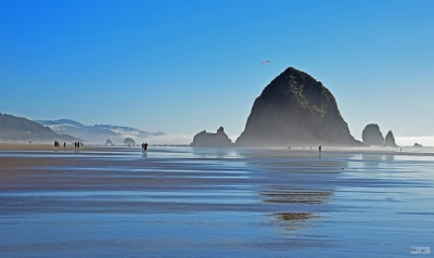 Haystack Rock And Kite