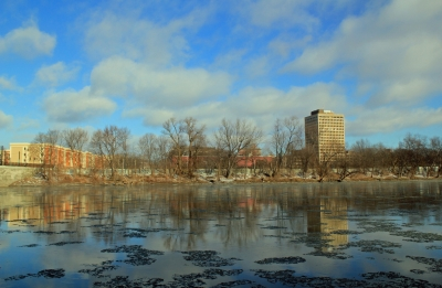 Binghamton, New York : State Office Building Picture Postcard Perfect