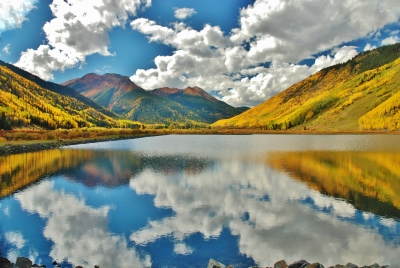 Autumn In Red Mountain