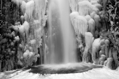 Lower Multnomah Falls Iced Over