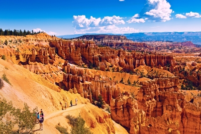 Day Hikers Heading Inside Bryce Canyon National Park