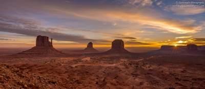 Monument Valley Sunrise