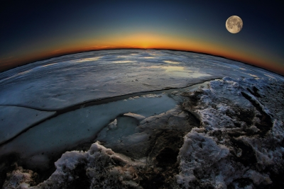Night Falls On The Frozen Planet