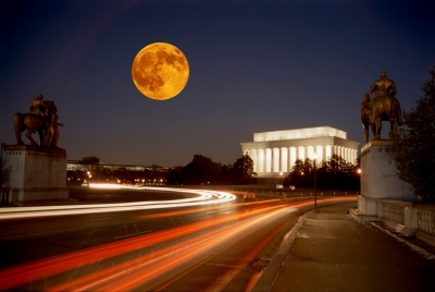 Moon Over The Lincoln Memorial