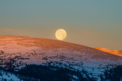 Moon Set, Boreas Mountain