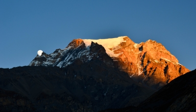 Moonrsie At Sunset, Annapurna Circuit