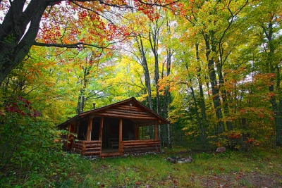 Michigan, Upper Peninsula, Pictured Rocks National Lakeshore, Fall Colors, Cabin